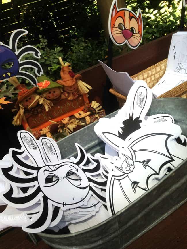 disneyland_halloweentime_crafts
