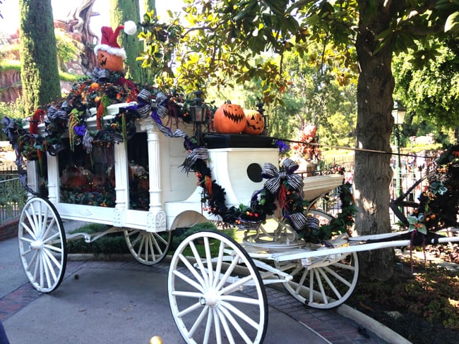 disneyland_halloweentime_haunted_mansion