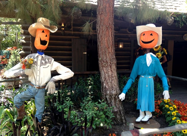 disneyland_halloweentime_round_up
