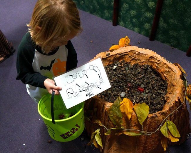 pretend-city-bug-bog-halloween