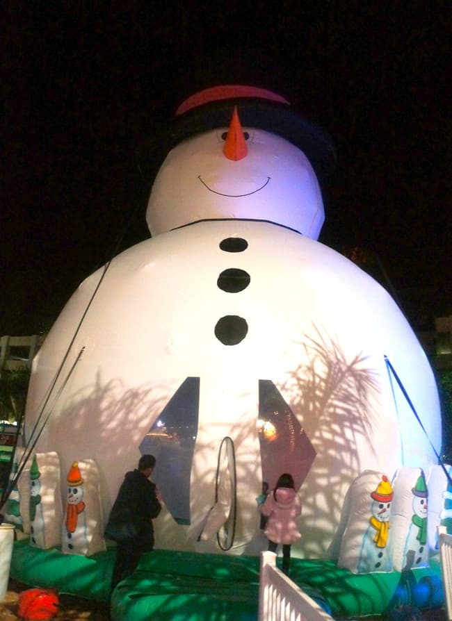 Queen-mary-chill-snowman