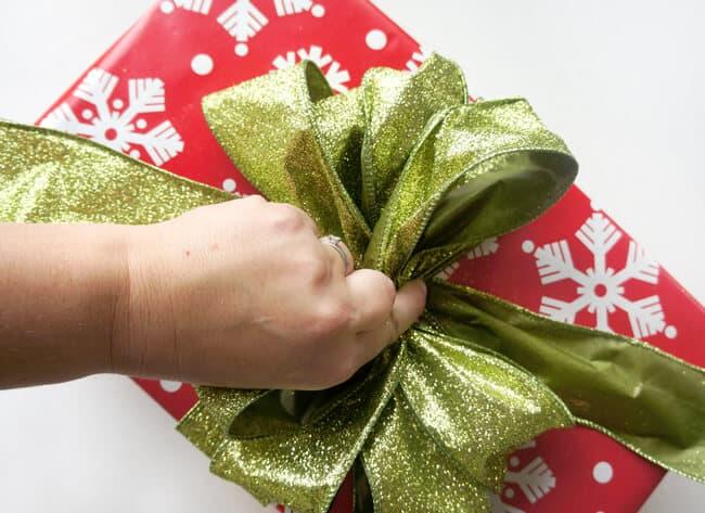 walgreens-bow-ribbon-tutorial-#shop