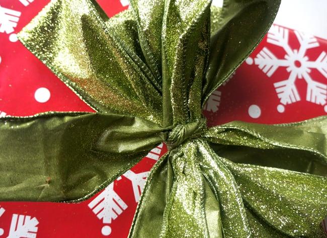 walgreens-how-to-make-a-bow-tutorial-#shop