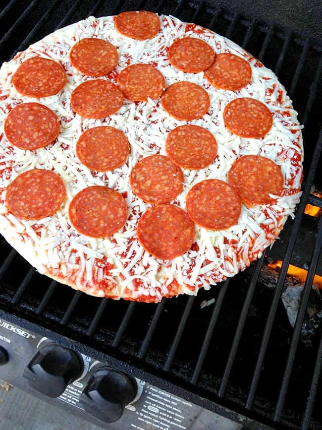 barbecue-frozen-pizza