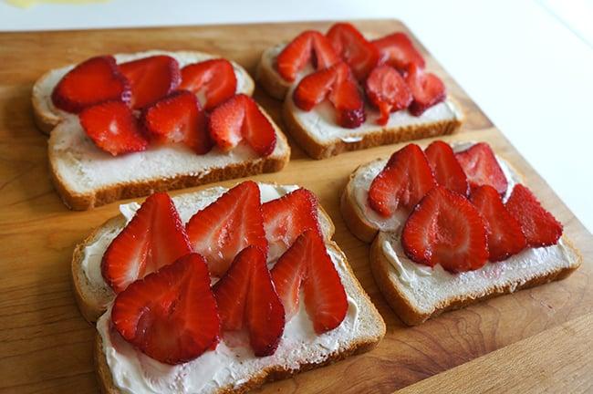 cream-cheese-strawberry-french-toast-recipe