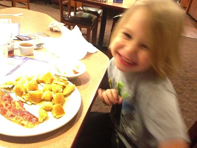 dennys-pancakes-meal-kids-eat-free