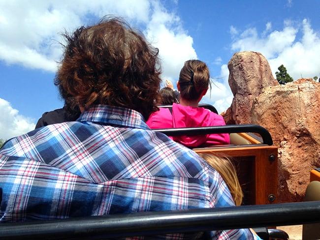 disneyland-train-rollercoaster-fast