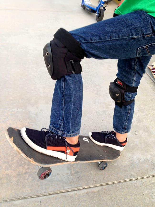 etnies-skateboarding-tennis-shoes