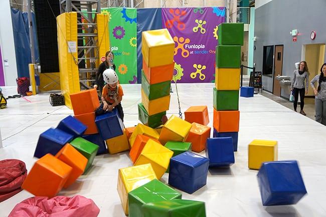 funtopia-kids-bounce-house