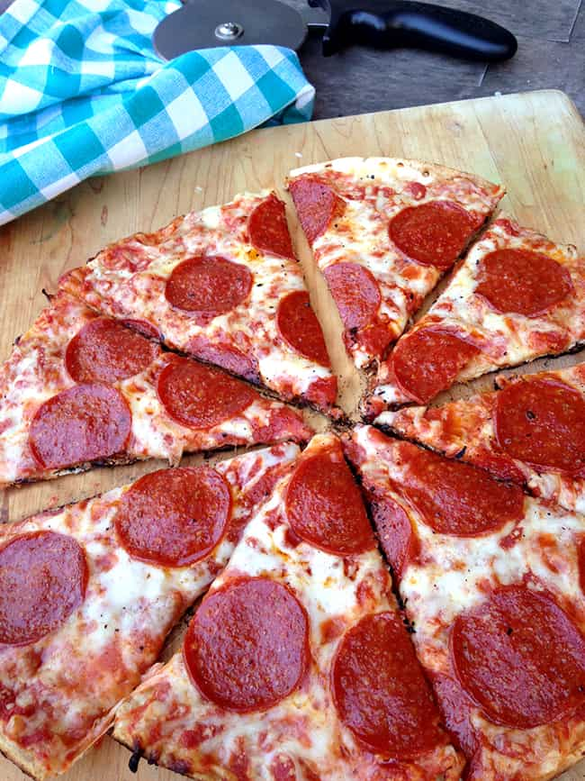 how-to-grill-a-pizza-on-the-barbecue