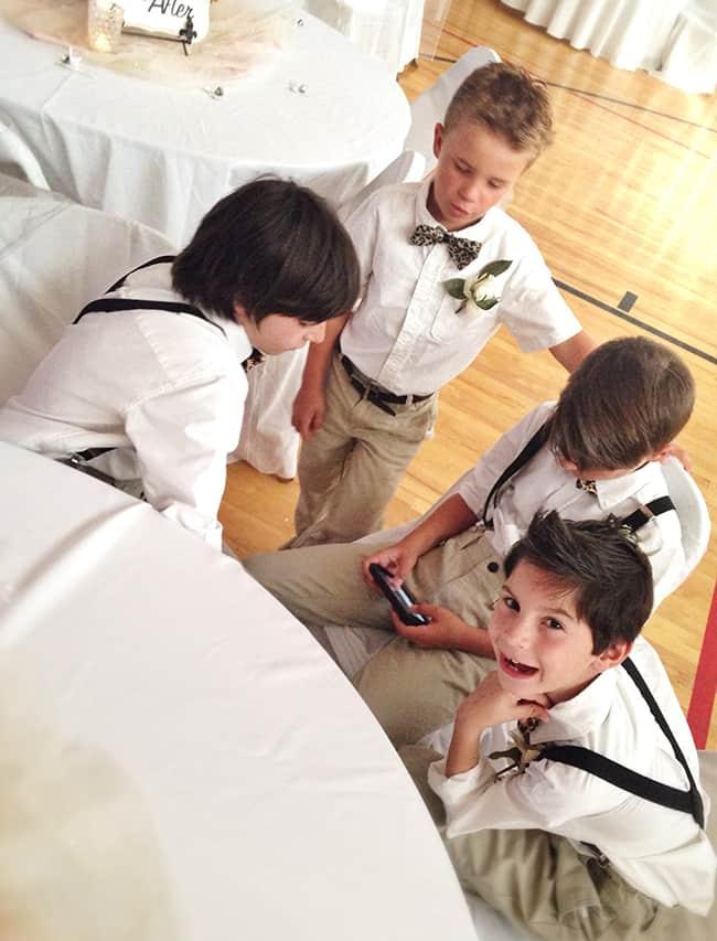 kids-at-a-wedding-electronics