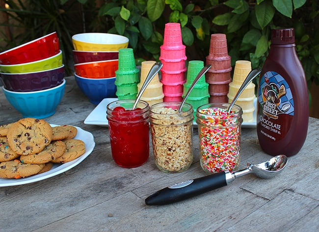 ice-cream-topping-bar
