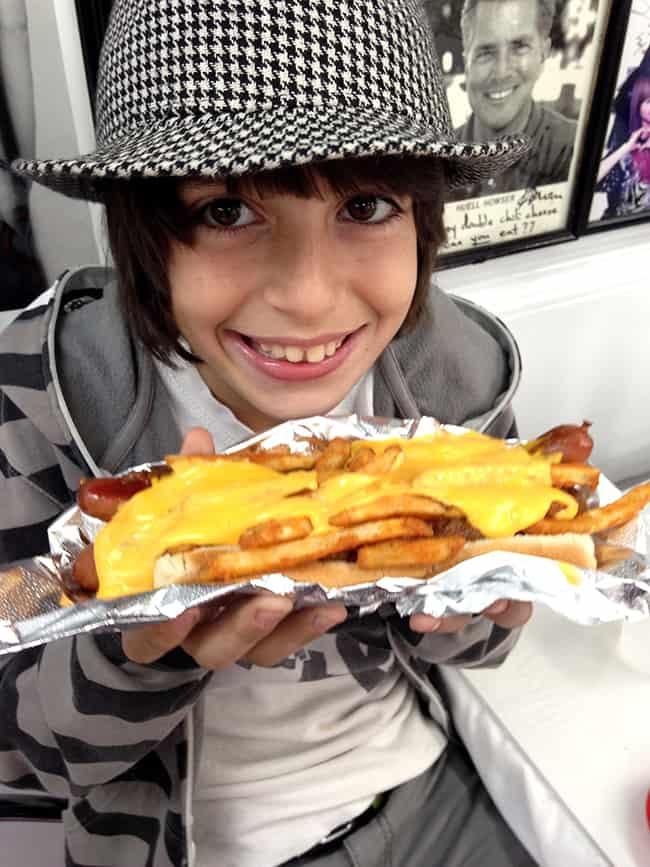 pinks-hotdogs-cheese-fries