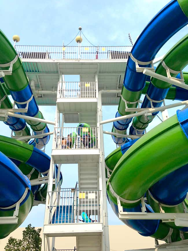 cheap-orange-county-waterslides-camelot