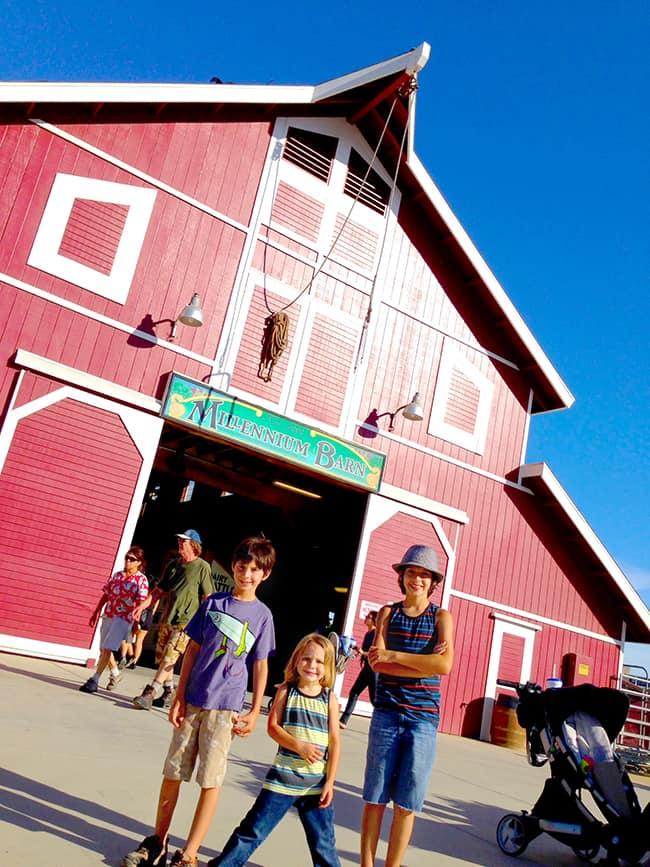 oc-fair-barn-centenial-farm