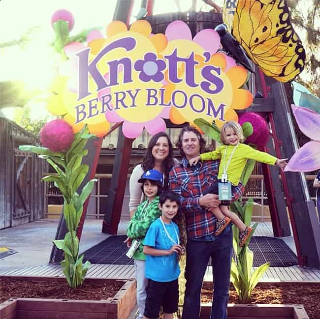 Knott's-berry-bloom