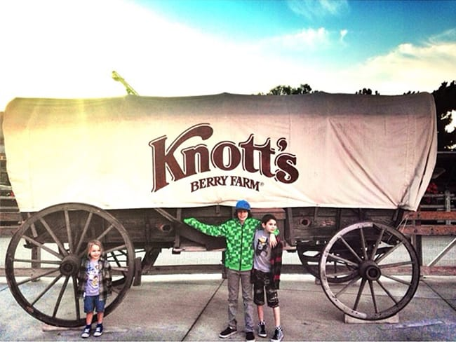 knotts-berry-farm-season-pass