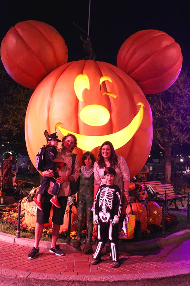 mickey's-halloween-party