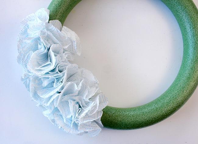 paper towel wreath instructions