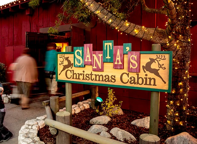 knotts-merry-farm-santas-christmas-cabin