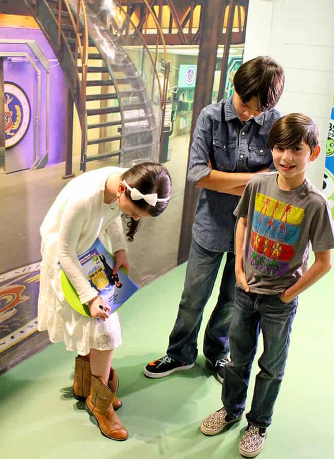 PBS Odd Squad Actors Signing Autographs