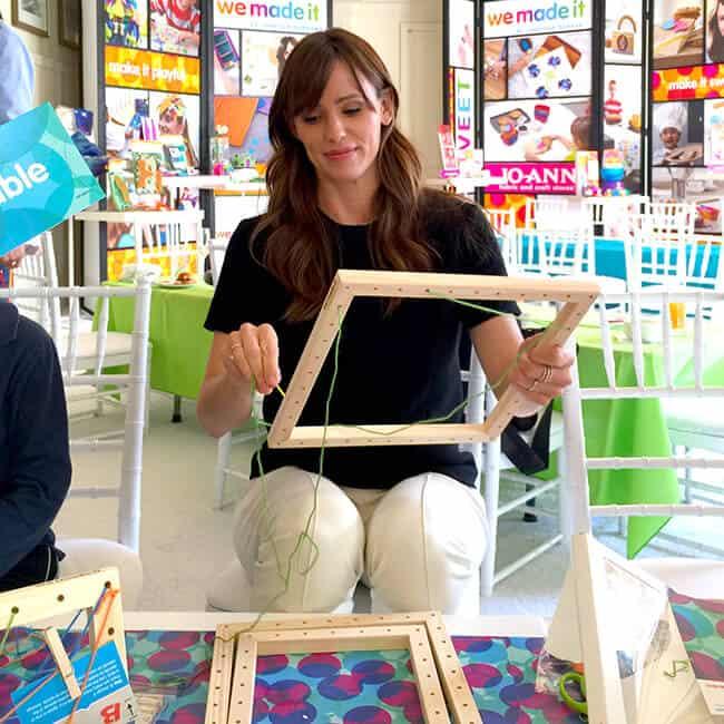Jennifer Garner Crafts