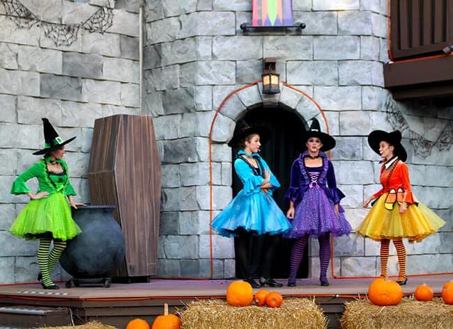 Legoland Halloween Shows
