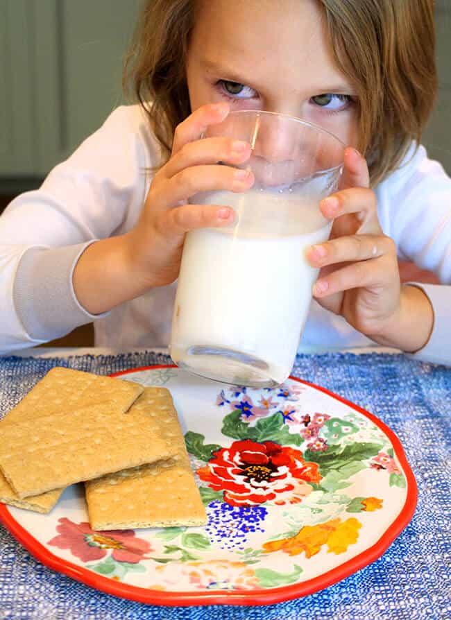 Vann Drinking Milk