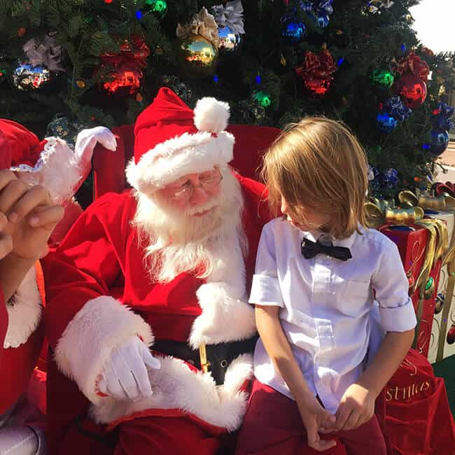 Santa Claus at the Outlets of San Clemente