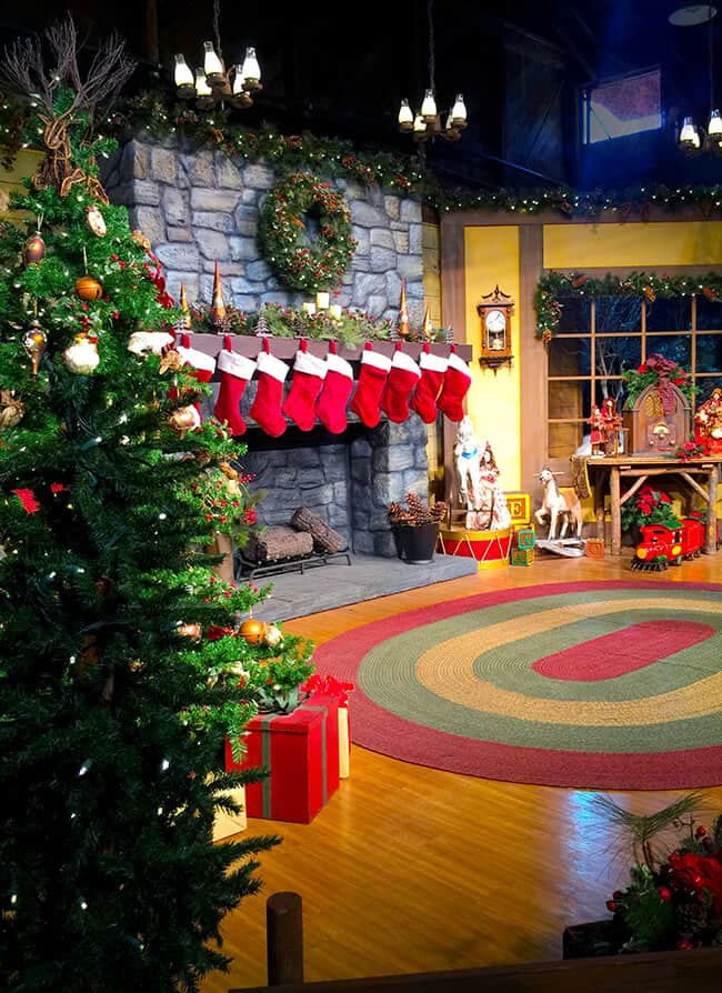 Fun in Santa's Christmas Cabin