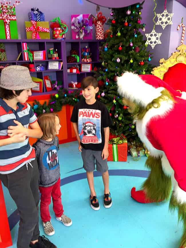 Meeting the Grinch at Universal Studios Hollywood