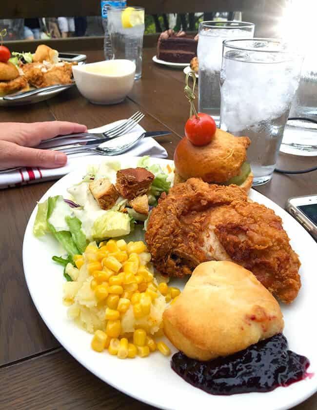 Knott's Chicken Dinner Meal