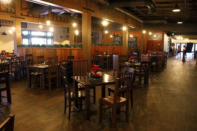 New Knott's Chicken Dinner Restaurant