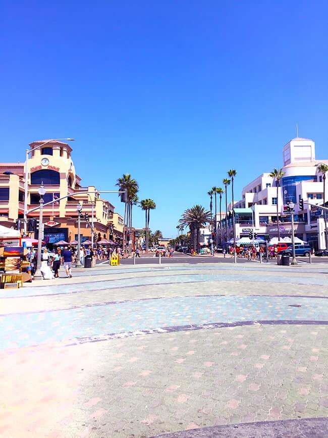 Huntington_beach_main_street