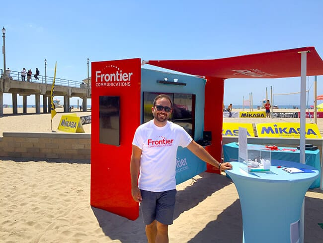 frontier_communications_booth