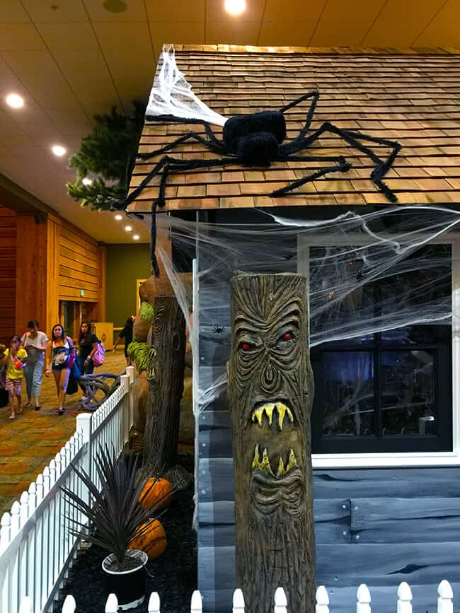 spooky_fun_at_great_wolf_lodge