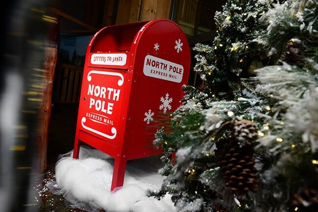 Great Wolf Lodge Southern California Snowland