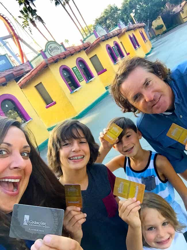 knotts-season-passes-benefits