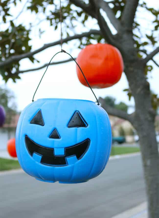 Hanging Glowing Jack-o-lanterns