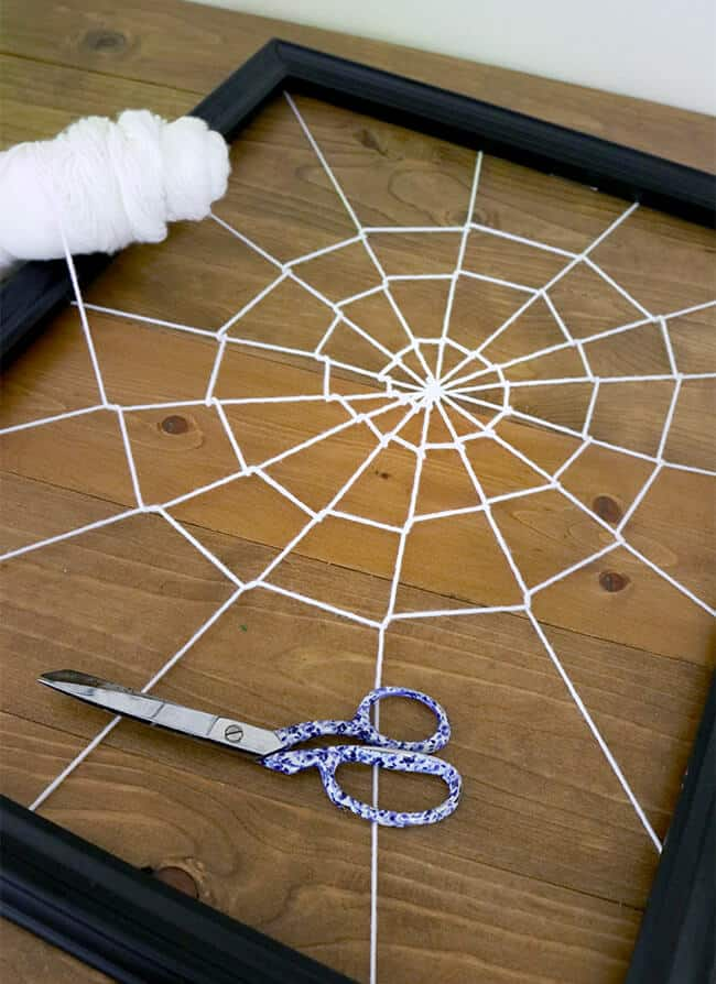 How to Make a Spiderweb Frame for Halloween