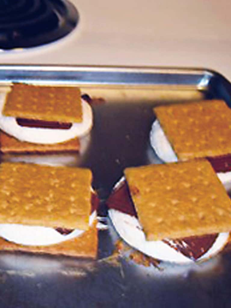 Easy S'mores without a campfire